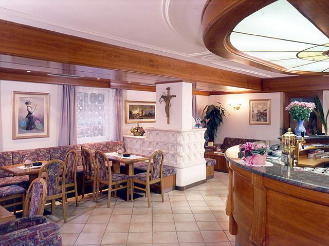 Hotel Villa Mozart - Pozza di Fassa - Dolomiti > Ambiente ...